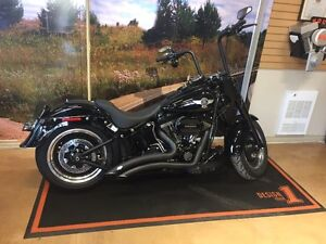 2016 Harley Davidson Fat Boy S 965km w/ $8000+ in accessories!!