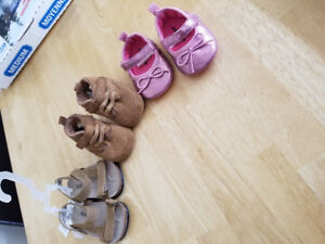 Baby shoes ! Brand new, never used them