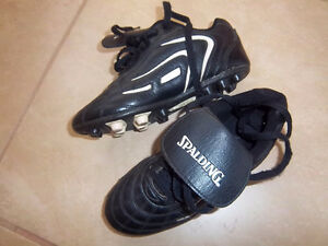 Spalding Soccer Cleats Size 3 Kitchener / Waterloo Kitchener Area image 1