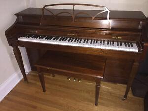 Baldwin Piano Style 541