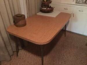1960's retro/ vintage laminate table Includes FREE retro chairs Fremantle Fremantle Area Preview