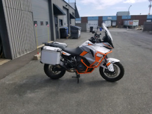 Moto KTM 1290 SUPER ADVENTURE 2017