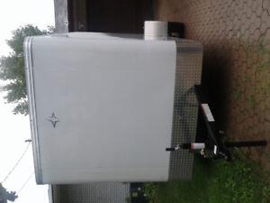 In closed utility trailer