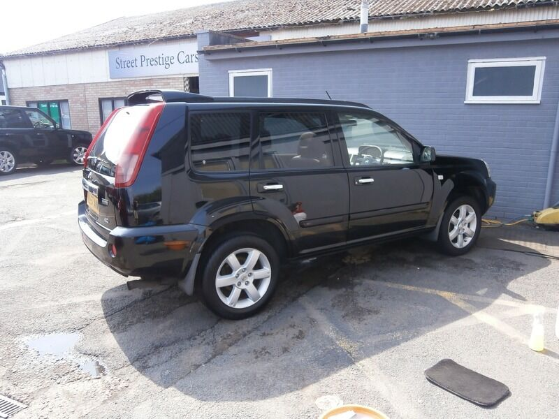 nissan x trail 2 2 dci 136 columbia 4x4 black 2007 in droitwich worcestershire gumtree. Black Bedroom Furniture Sets. Home Design Ideas