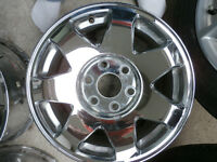 2003 Cadillac Escalade Chrome Rims and Centre Caps