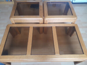 Glass/wood Coffee table end table set