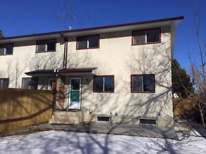 Renovated Duplex for Rent in Great Location Greenfield SW April