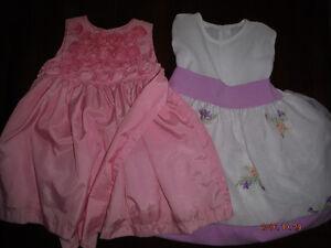 2 robes 24 mois pour évènement ou Noël
