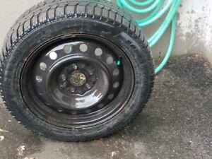 4 pneus Pirelli Ice Control 205/55 R16 (bons 1-2 hivers)rims/cap