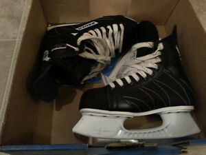Bauer hockey skates - womens size 8