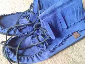 Moccasin Boots Ladies size 7
