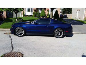 2012 Ford Mustang GT Coupe (2 door)