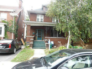 2 bedroom duplex for rent July 1st 1450 all inclusive