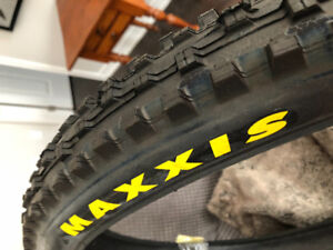 Brand new Maxxis MTB tire set - never used!