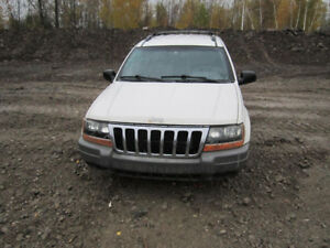 1999 Jeep Grand Cherokee ** FOR PARTS * INSIDE & OUTSIDE*