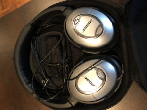 Bose QC15 Noice-Cancelling Headphones