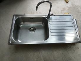 Reginox Stainless Steel Kitchen Sink w Tap