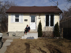 COBOURG - HOUSE FOR RENT