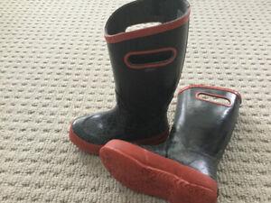 Size 13 Rain boots bogs