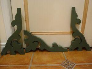 Équerres décoratives en bois