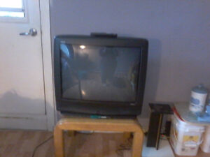"""Selling 32"""" Tube Style Tv"""