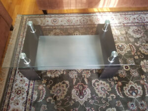 Coffee table all glass excellent conditon for sale!!