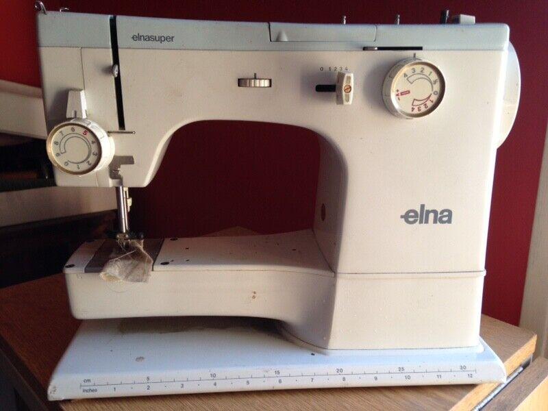 Elna Elnasuper Series 62C Sewing Machine w/Metal Carrying Case & Foot Controller