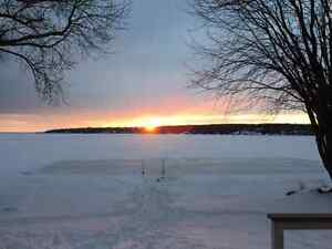 Cottage 15min north of barrie. Carthew bay close to sled trails