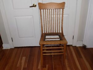 Antique/Vintage Wooden Chair