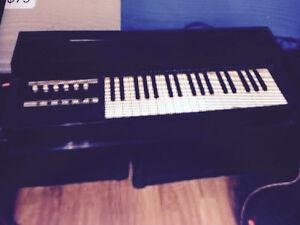 Vintage Magnus Diamond Electric Chord Organ, works $79