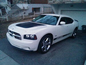 2009 Dodge Charger daytona Berline stone white NEGOCIABLE!!!