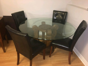 Table set and hutch