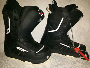 Like NEW Snowboard, boots and bindings package!