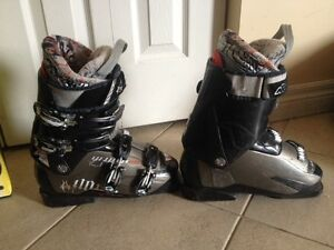 Nordica youth ski boot size 25.0-25.5 Kitchener / Waterloo Kitchener Area image 1