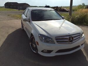 2010 Mercedes Benz C-350 4 matic AMG package!
