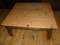 Table basse (reproduction antique)