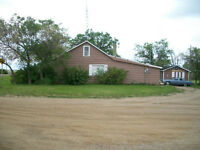 FOR SALE 3 BEDROOM HOUSE WITH GARAGE, 86X175 LOT, ONLY $79,900