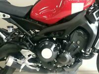 2019/19 Yamaha XSR 900 finished in red, 1 owner retro style 115 bhp naked