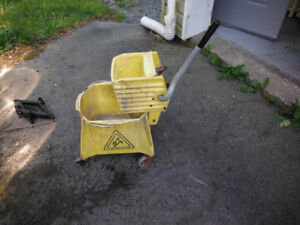 Mop Bucket and Wringer