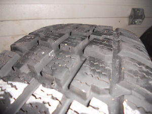 205-75-15 Snow Tires used one season Kitchener / Waterloo Kitchener Area image 3
