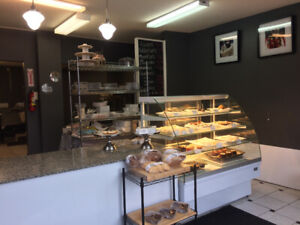 White bakery goods display case non refrigerated igloo
