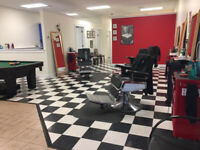 Barbers/men's stylists/relaxation massage specialists