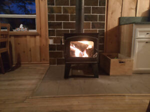 Waterfront Log Cabin available for Winter rentals