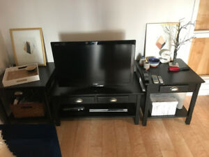 coffee table and 2 side tables - must be able to pick up