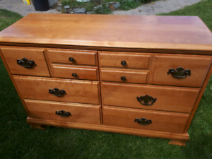 Smaller dresser solid wood 6 drawers