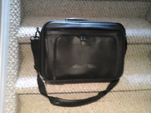 Laptop Carry Case For Sale.