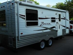 2010 Zinger 20 Foot Travel Trailer