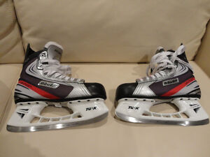 LIKE NEW Bauer Vapor X30 Size 10.5 Hockey Skates -Used 3 times Kitchener / Waterloo Kitchener Area image 1