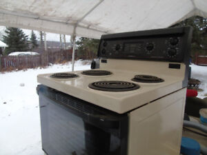 GE Electric Kitchen Stove for sale for 50$