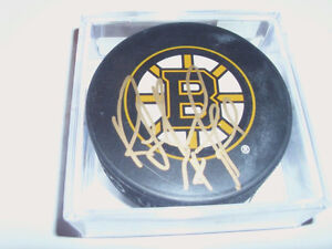 AUTOGRAPH HOCKEY PUCK FOR SALE